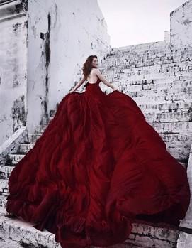 свадьба в бордовом цвете, платье невесты бордо