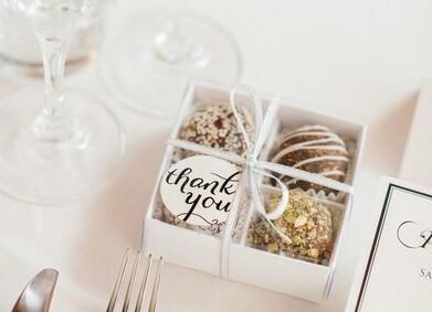Бонбоньерки на свадьбу: 23 идеи, которые понравятся гостям