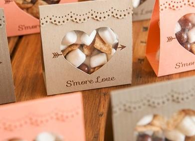 Комплименты гостям: чудесные идеи для зимней свадьбы!