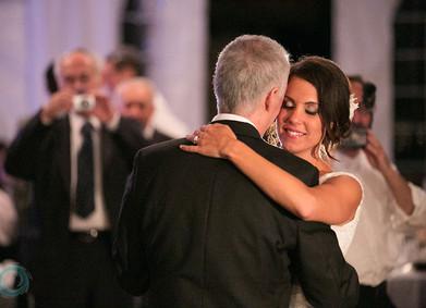 Танец с родителями: трогательная свадебная традиция