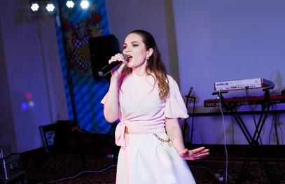 певица на свадьбу