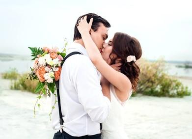 Поцелуй на камеру: рецепт сладких свадебных фотографий
