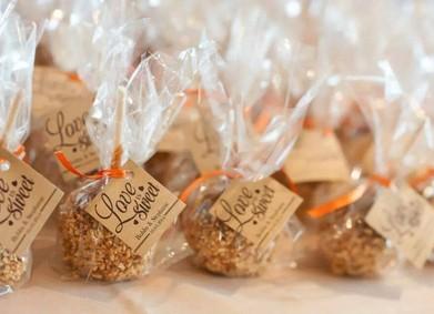 Подарки для гостей на свадьбе – идеи от YesYes