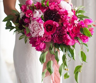 свадьба в цвете фуксия, букет невесты