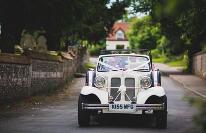 Свадебный ретро автомобиль