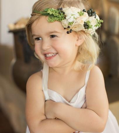 цветы в волосах, малышка в веночке