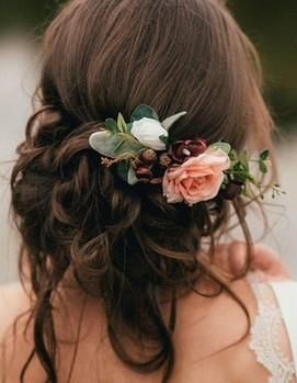 цветы в волосах невеста