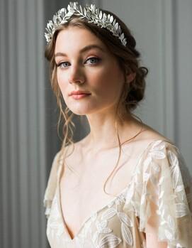прическа свадьба с обручем