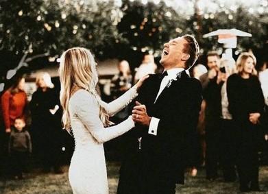 92 песни на свадьбу: идеальный плейлист от YesYes