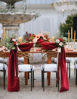 свадьба в бордовом цвете, оформление свадьбы в бордовых цветах