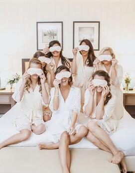подружки невесты что делают