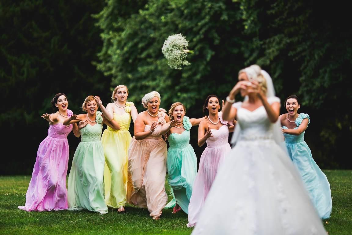 день невеста бросает букет фото листы поликарбоната