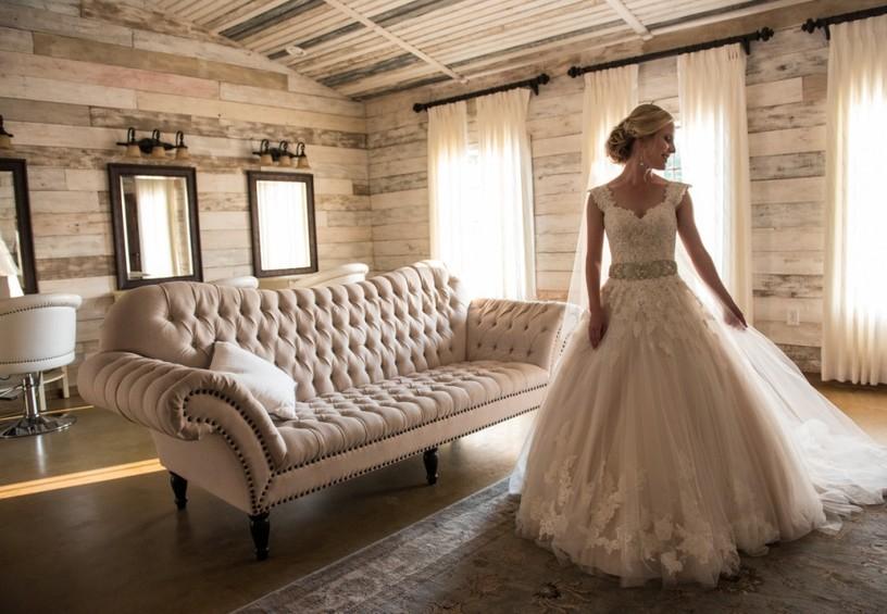невеста, гостиница, свадебное платье, свадьба, номер для новобрачных