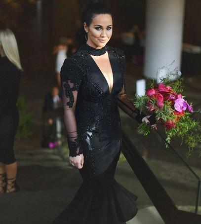свадебное платье чёрное, невеста в чёрном, свадьба, необычное платье невесты, чёрная свадьба