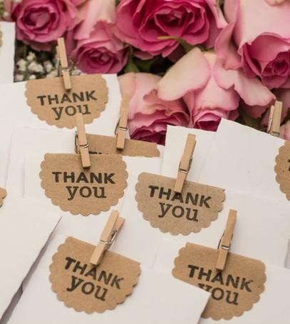 подарки гостям на свадьбу, декор свадебного стола, свадебный банкет,
