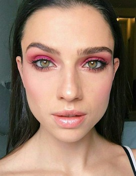 розовый макияж невесты