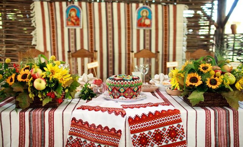 украинская свадьба, украинский рушник, вышитый рушник на свадьбу