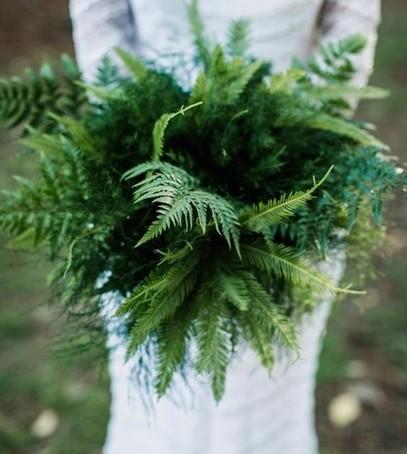 букет невесты 2019, свадебный букет, свадьба 2019, букет из листвы, зелёный букет, букет гринери, букет из папоротника