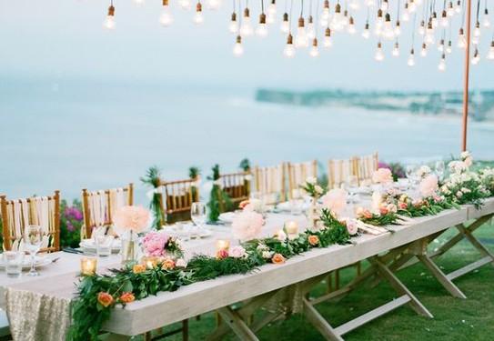 свадьба на природе, свадьба у реки, свадебный банкет