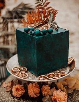 торт на свадьбу куб