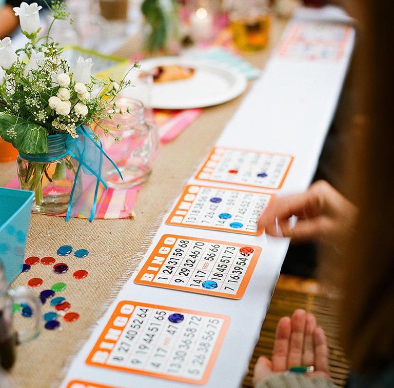 d8cd154039f6603 ... чем развлечь ваших гостей. YesYes собрал для тебя 10 стоящих идей,  которые сделают время на вашей свадьбе весёлым и интересным для каждого.