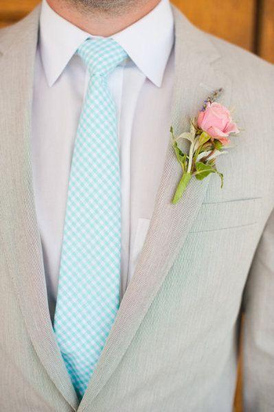 Костюм для жениха какого цвета