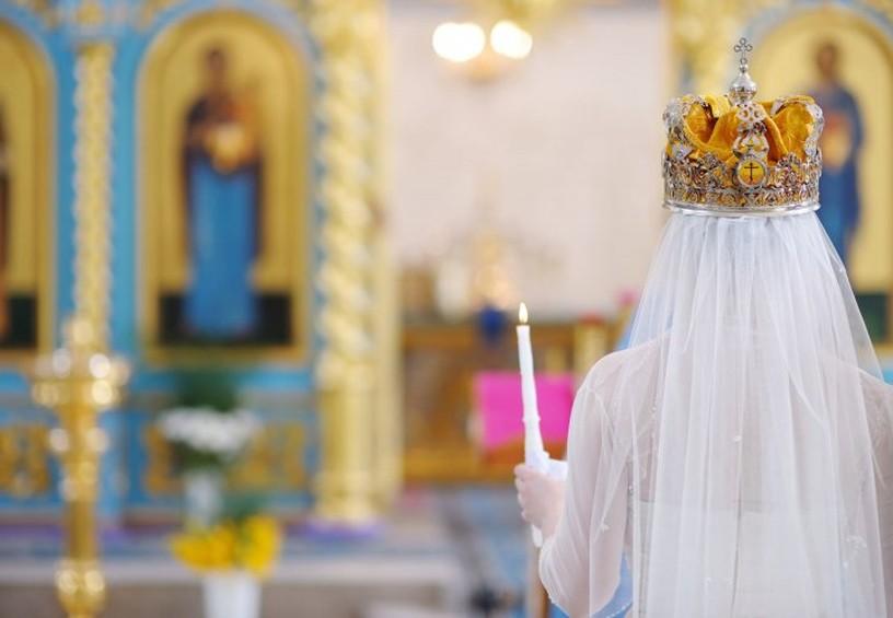 венчание, исповедь невесты, церковь, свечи