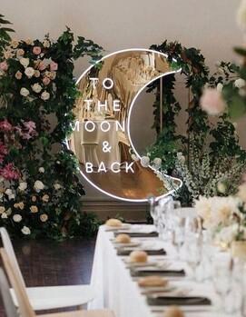 неоновая свадьба