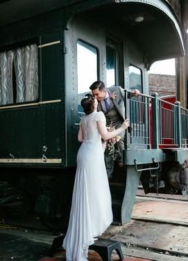 Идеи для винтажных свадебных фотографий с поездом