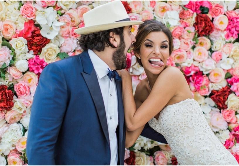 фотозона на свадьбу, свадебное фото, красивый свадебный декор, оформление фотозоны на свадьбе цветами