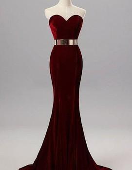 платье в бордовом цвете