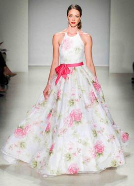 свадьба в цвете фуксия, платье невесты