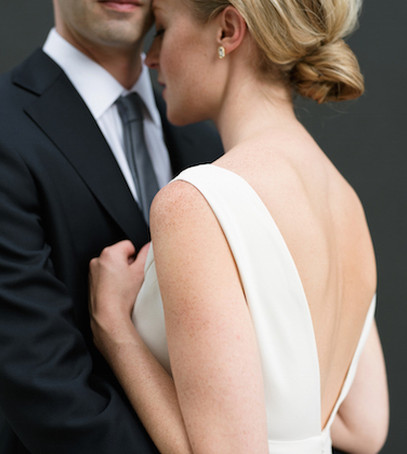 свадебное фото, молодожёны, белое свадебное фото