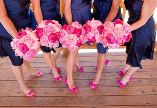 свадьба в цвете фуксия, синий и фуксия