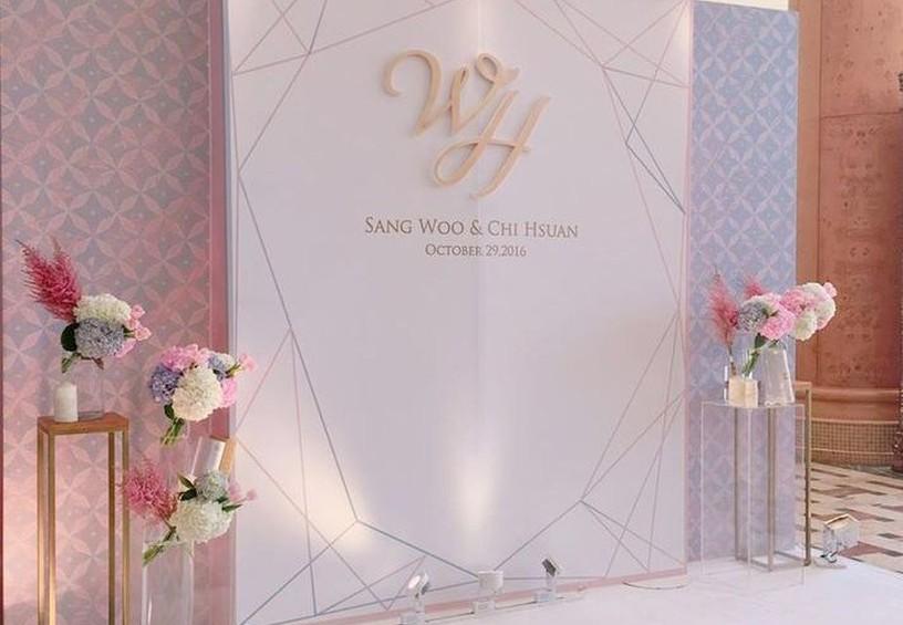 фотозона на свадьбе, пресс волл, печать на холсте, выездная церемония