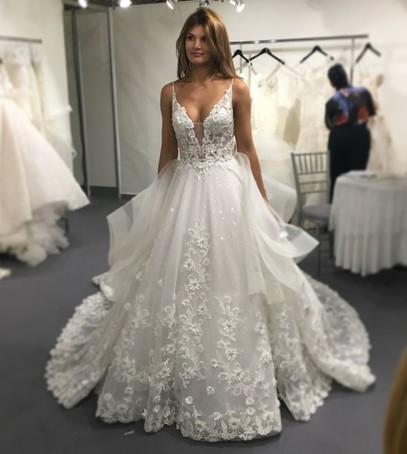 невеста, платье невесты, свадебное платье, белое платье на свадьбу с вышивкой, фатин