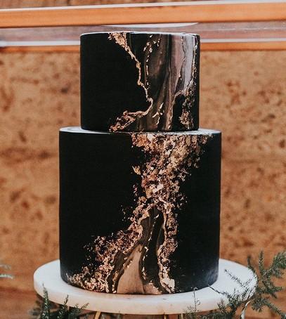 свадебный торт, чёрный торт свадебный, торт на свадьбу, 2018 торт, чёрный торт, эффект мрамора, золотой и чёрный