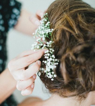 причёска невесты с живыми цветами, красивая свадебная причёска, рустик, бохо, шебби шик