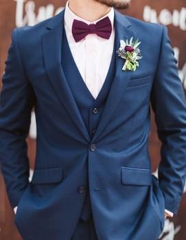 костюм жениха синий