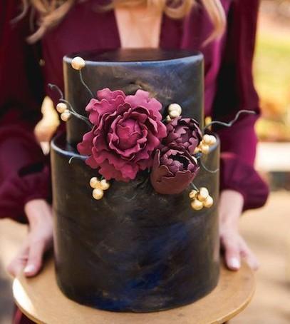 свадебный торт, чёрный торт свадебный, торт на свадьбу, 2018 торт, чёрный торт с  бордовым