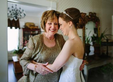 Платье для мамы невесты: 12 шагов к гармоничному образу