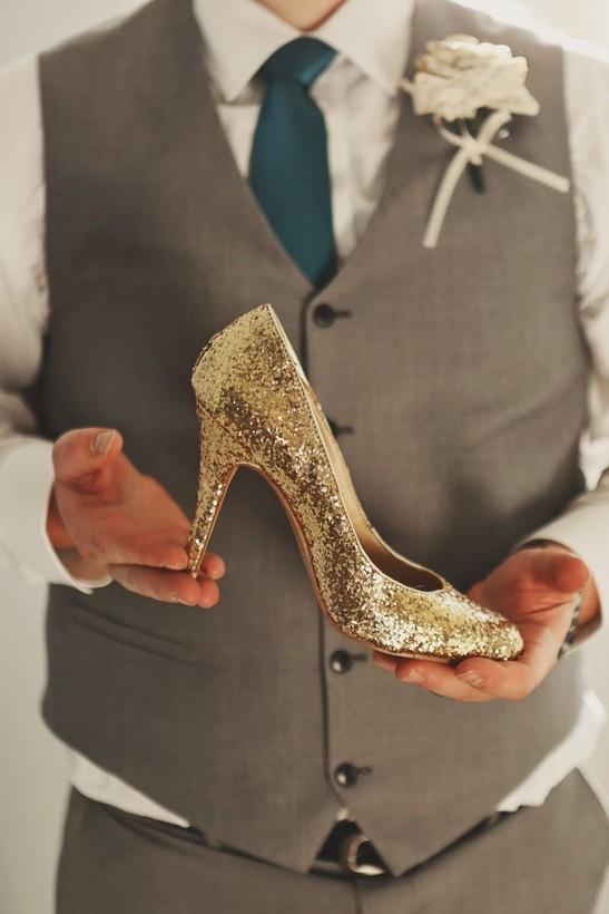 3b0d913d0 Покупать свадебную обувь надо только одев такие же чулки или гипюровые  колготы, которые ты планируешь надевать в день свадьбы.