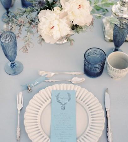 синий декор на свадьбу