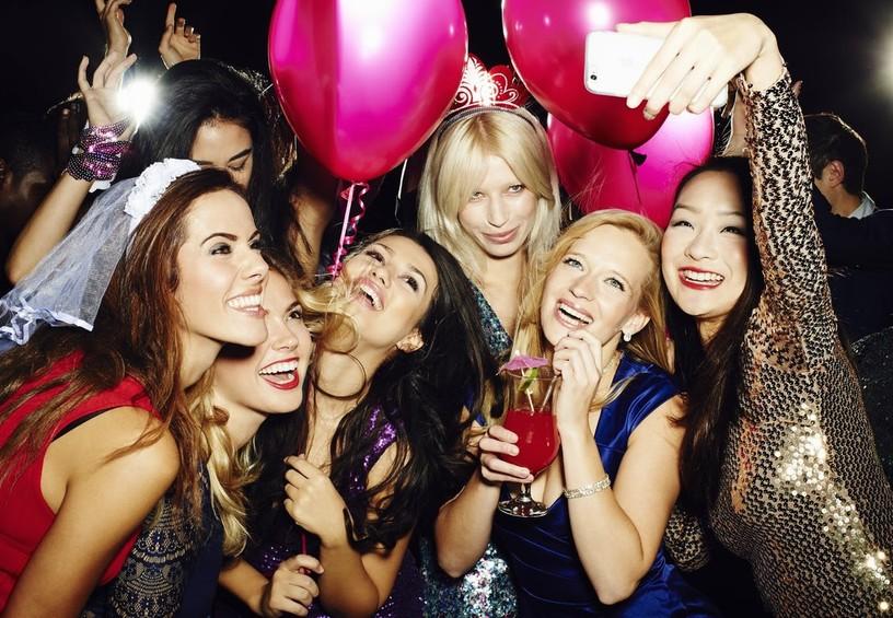 девичник, развлечение с подружками, вечеринка перед свадьбой, подружки невесты