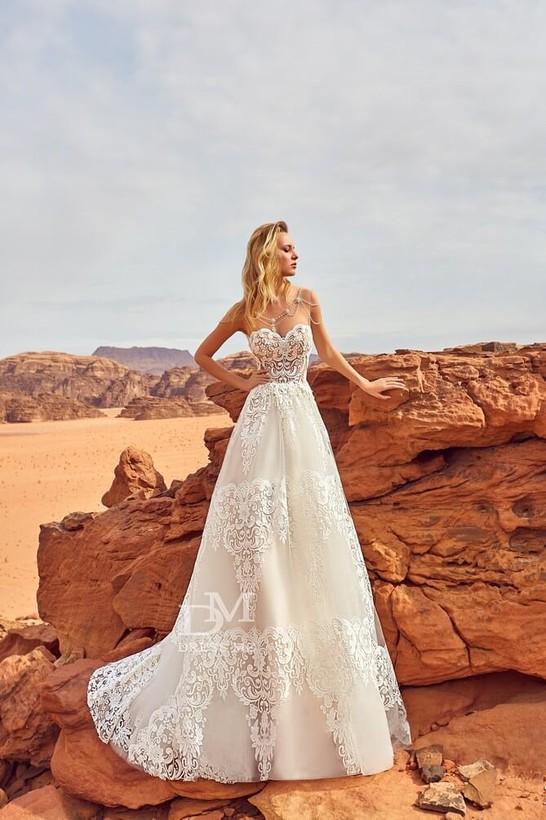 a13c8a74e7b Сколько стоит дизайнерское свадебное платье made in Ukraine
