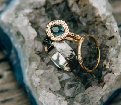 Обручальные кольца в стиле Рустик