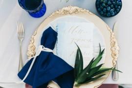 Разобраться в правилах свадебной сервировки.