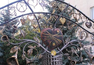 Скульптура Сердце всей Украины - портфолио 4