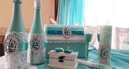 При оформлении декора на сумму не менее 10000грн оформление шампанского в подарок