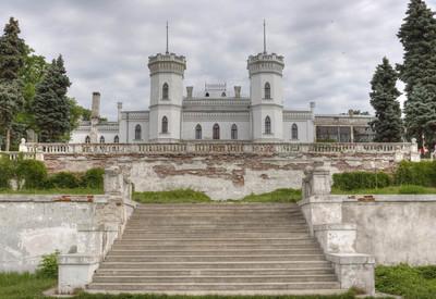 Дворцовый комплекс в Шаровке - фото 1
